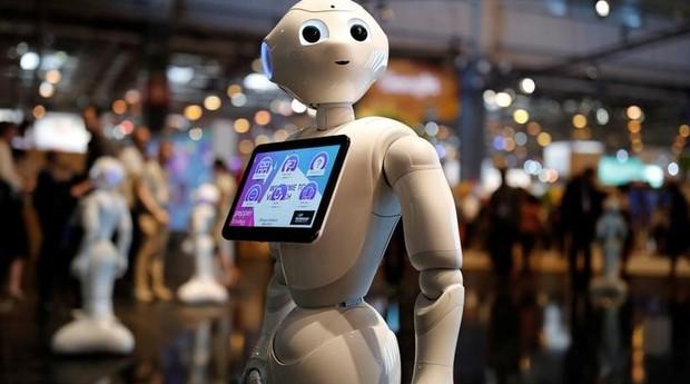 Pepper, robô produzido pela SoftBank  (Foto: Reuters)