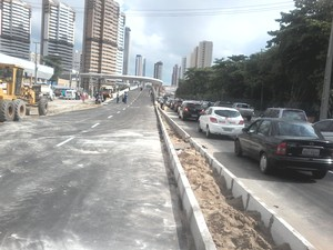 Falha em equipamento causou adiamento da liberação do viaduto 1 (Foto: Thiago Conrado/ G1)