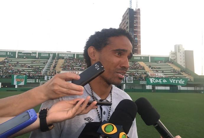 rafael lima zagueiro chapecoense (Foto: Amanda Kestelman / GloboEsporte.com)