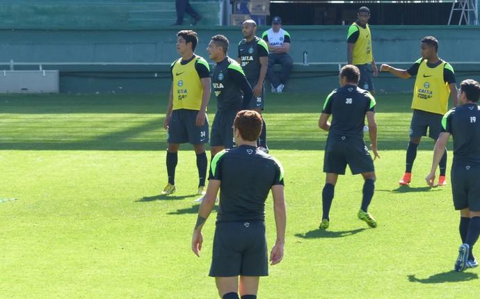 Coritiba treina no Couto Pereira (Foto: Monique Silva)