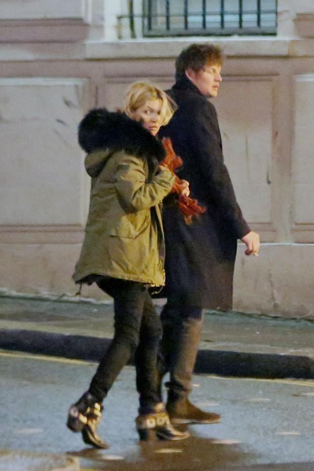 Kate Moss e Nikolai Von Bismarck (Foto: Grosby Group/Agência)