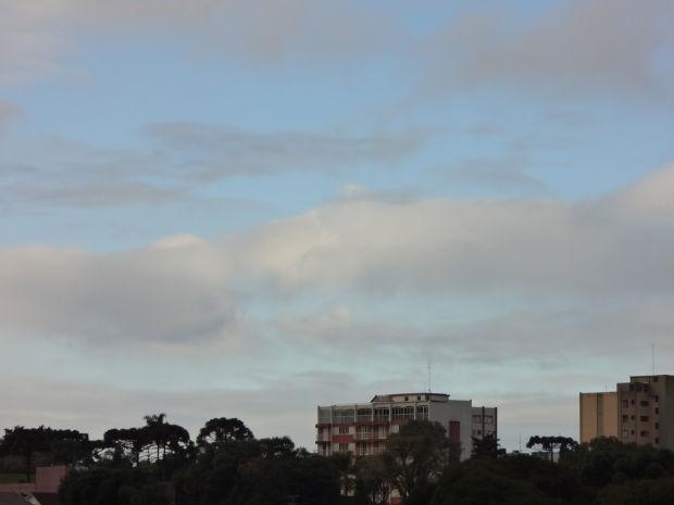 Curitiba amanheceu com mínima de 8ºC  (Foto: Adriana Justi / G1)