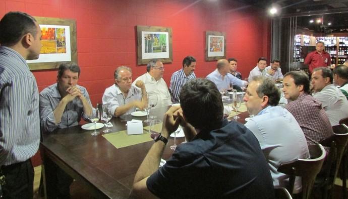 Reunião da diretoria do Rio Branco-ES com empresários (Foto: Deysiane Gagno/Rio Branco AC)