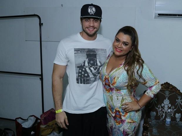 Preta Gil e o noivo, Rodrigo Godoy, antes de show na Zona Portuária do Rio (Foto: Marcello Sá Barretto/ Ag. News)