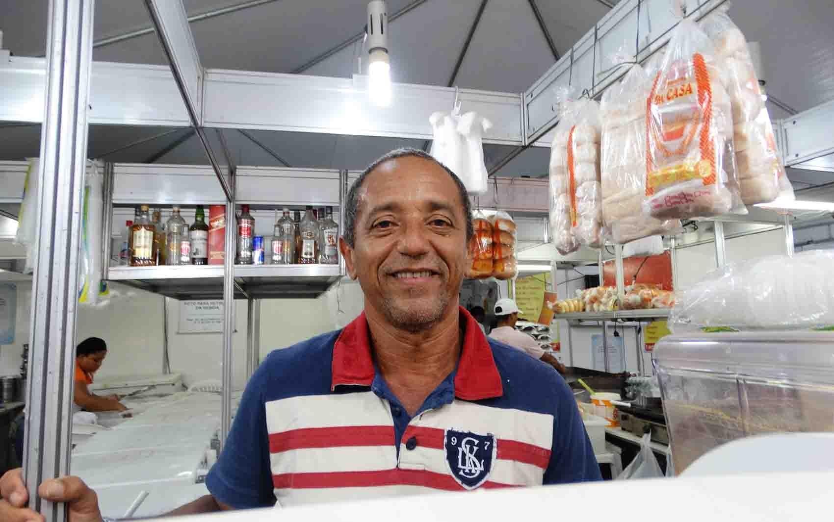 Carlos Antônio da Silva, 43 anos, dono de lanchonete (Foto: Thays Estarque/ G1)