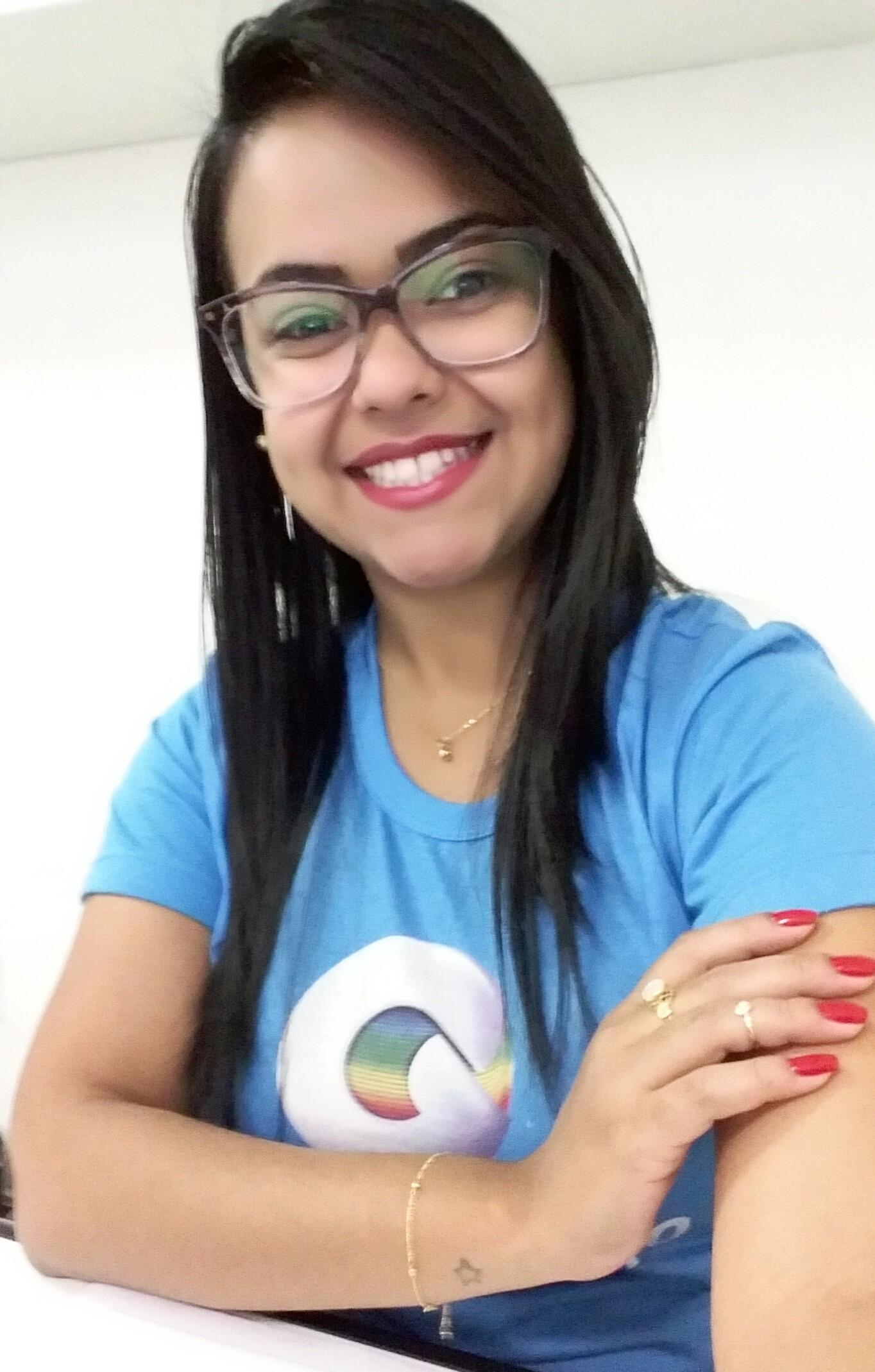 Mariana é assistente financeiro do Sistema Grande Rio de Comunicação (Foto: Arquivo Pessoal)