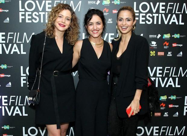 Leandra Leal, Manuela Dias e Nanda Costa (Foto: Marcello Sá Barretto/AgNews)