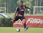 Gripe tira Breno de treino no CT, mas defensor é relacionado no São Paulo