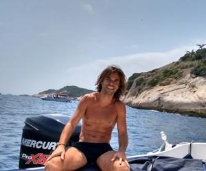 Java Mayam posa durante passeio no mar (Foto: Arquivo pessoal)