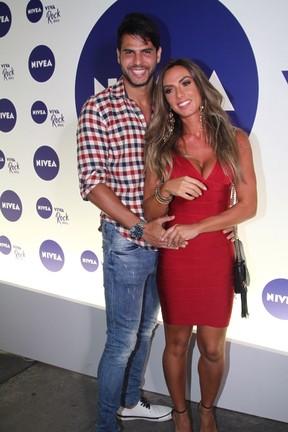 Nicole Bahls e Marcelo Bimbi em show no Rio (Foto: Rogerio Fidalgo e Anderson Borde/ Ag. News)