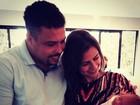 Ronaldo e Paula Morais posam com sobrinha da DJ no colo