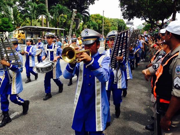 Desfile cívico-militar aconteceu durante a manhã em João Pessoa (Foto: Walter Paparazzo/G1)