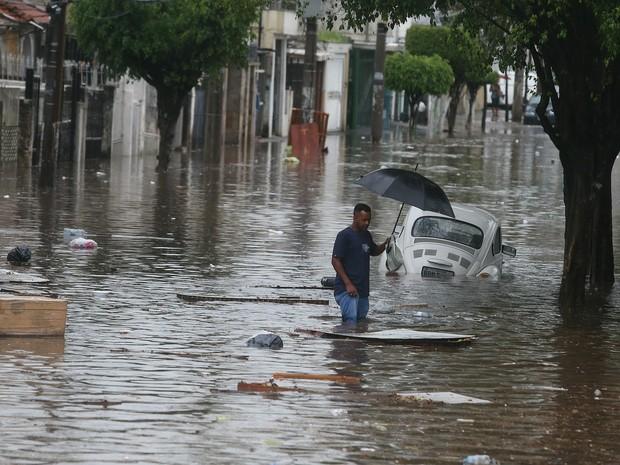 alagamento sp (Foto: Alex Silva/Estadão Conteúdo)