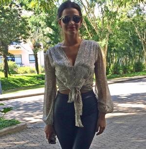 Marquezine revela o que não pode faltar na bolsa (Viviane Figueiredo Neto/ Gshow)