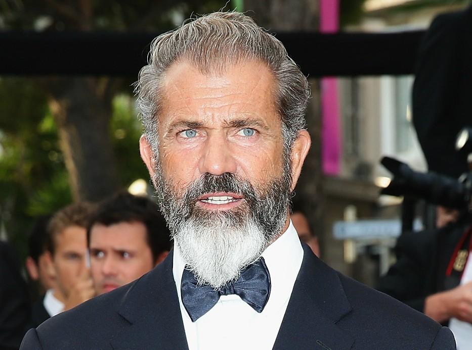 Mel Gibson foi preso por dirigir alcoolizado e fez um discurso sexista e antissemita contra os policiais. Passado o climão, foi à televisão se justificar e, bem, não melhorou muito a situação. Cristão fervoroso, o ator e diretor só usou fundamentos religiosos para explicar a mancada. (Foto: Getty Images)