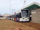 Alckmin visita Santos, SP, e entrega cinco novos trens para o VLT