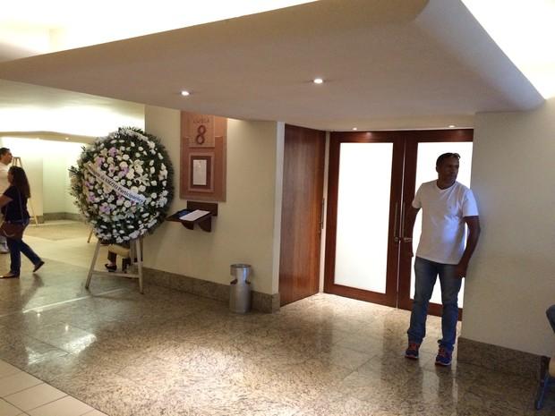Velório pai de Xuxa (Foto: Lucinei Acosta / EGO)