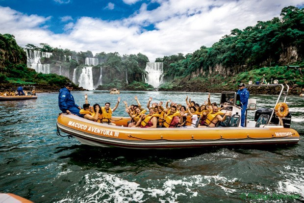O passeio Macuco Safári é emocionante e agrada os mais aventureiros (Foto: Divulgação)