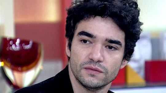 Caio Blat revela papo em família sobre cena de amor entre André e Tolentino em 'Liberdade'