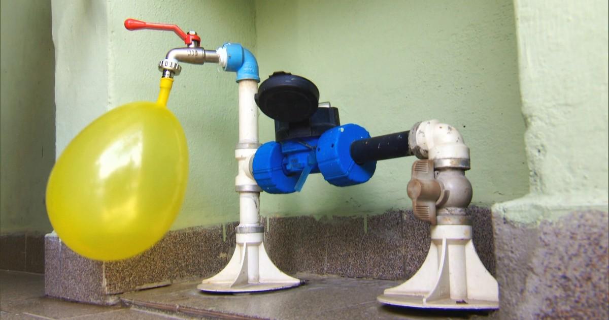 fe5f91a9221 Fantástico - SP  hidrômetros registram ar em vez de água e geram gastos  inexistentes