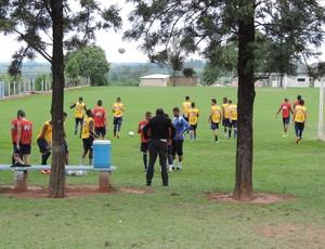 Treino do Osvaldo Cruz (Foto: João Paulo Tilio / GloboEsporte.com)