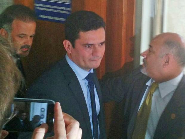 O juiz federal Sérgio Moro chega à CCJ do Senado (Foto: Laís Alegretti/G1)