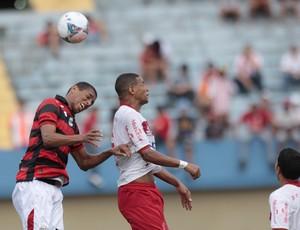 Atlético-GO x Vila Nova, Goianão, 2013, Pituca, Thiago Ramos (Foto: Cristiano Borges/O Popular)