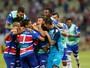 """""""Torcedor abraçou, e equipe entrou com atitude"""", exalta Corrêa sobre Leão"""