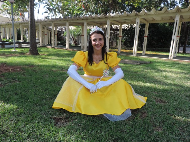 'É tudo muito mágico e gratificante levar a alegria', diz funcionária do Centrinho (Foto: Paola Patriarca/G1)