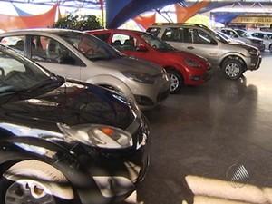 concessionária carros IPI (Foto: Reprodução/TV Bahia)