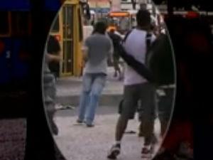 Vídeo mostra suspeitos de jogar artefato que atingiu cinegrafista (Foto: Reprodução/Tv Brasil/Jornal da Globo)