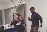 Ap�s acidente, Alejo Muniz posta foto de muletas e agradece apoio dos f�s