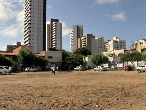 Campo é usado há mais de 40 anos pela comunidade (Foto: TV Verdes Mares/Reprodução)