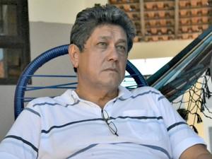 Pai do empresário morto lamenta a crueldade dos criminosos (Foto: Gabriela Pavão/ G1 MS)