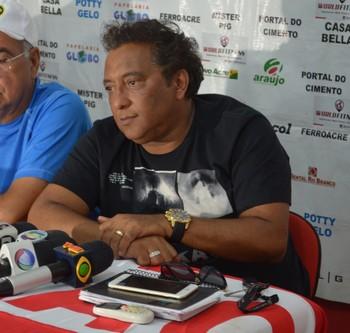 Carlinhos Farias, diretor de futebol do Rio Branco-AC (Foto: Murilo Lima)