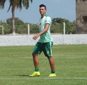 Meia Rogério já inicou treinos na manhã deste domingo no CT do clube (Foto: Sampaio/Divulgação)