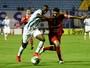 Embalado por vitória sobre rival, Vila recebe o Avaí, candidato ao acesso