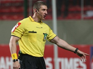árbitro Anderson Daronco (Foto: Lucas Prates / Agência Estado)