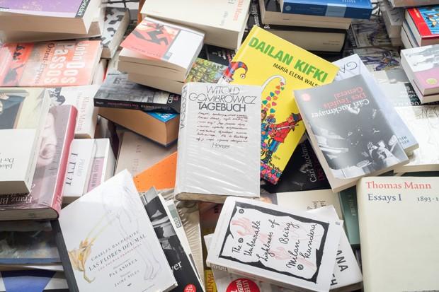 documenta Marta Minujín livros proibidos (Foto: Divulgação)