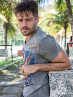 Alejandro Claveaux será César, um cafajeste, em Alto Astral (Foto: Fábio Rocha/ TV Globo)
