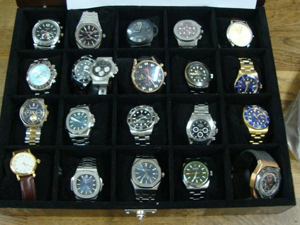 8b00cdd01c7 Quadrilha especializada em roubar relógios de luxo em SP (Foto   Divulgação Polícia Civil