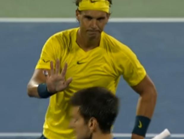 Rafael Nadal pede desculpas para Novak Djokovic (Foto: Reprodução/Sportv)