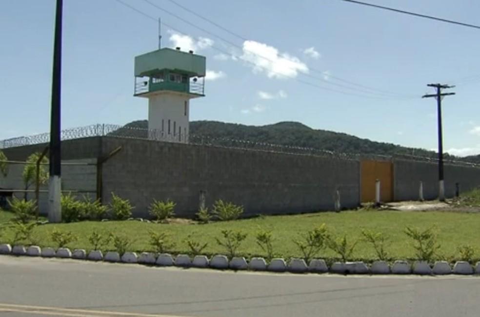 Fuga ocorreu no Centro de Progressão Penitenciária de Mongaguá, SP (Foto: Reprodução/TV Tribuna)