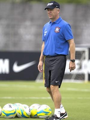 Mano Menezes no treino do Corinthians (Foto: Daniel Augusto Jr. / Agência Corinthians)
