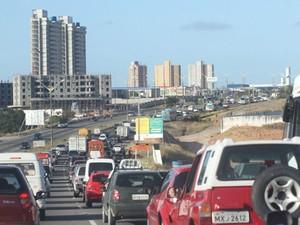 Alocação de recursos do IPVA e do combustível de carros são alternativas para subsidiar tarifa (Foto: Canindé Soares)