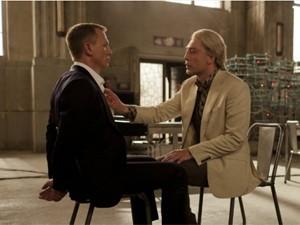 Daniel Craig e Javier Bardem em '007 - Operação Skyfall' (Foto: Divulgação/United Artists)