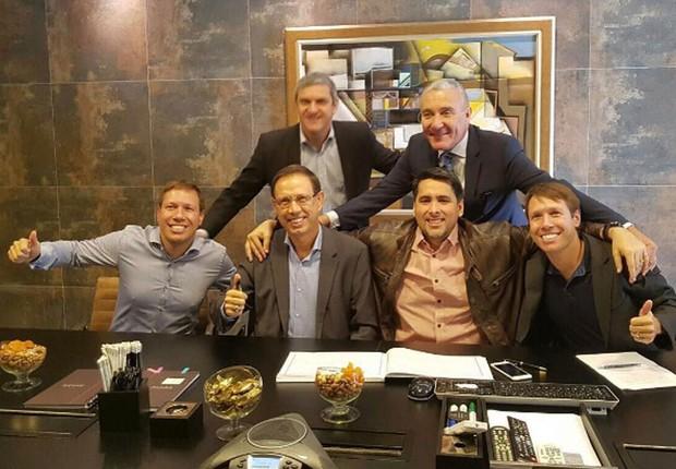 Carlos Wizard e Flavio Augusto Silva fecham parceria na WiseUp (Foto: Reprodução/Instagram)