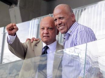 Os ex-atletas Reinaldo e Dario, o Dadá Maravilha, em visita ao Mineirão (Foto: Pedro Triginelli/G1 MG)
