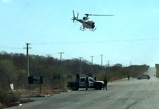 Helicóptero Potiguar 1, da Secretaria de Segurança Pública do RN participou da operação (Foto: Divulgação/Polícia Militar)