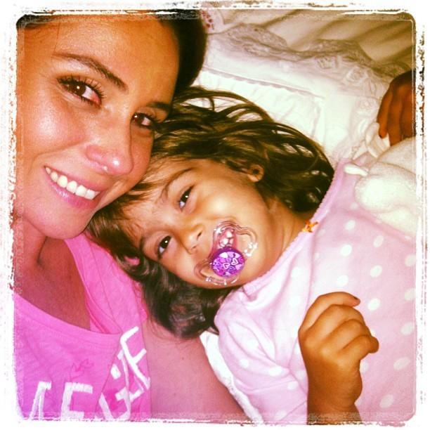 Giovanna Antonelli posa com uma das filhas (Foto: Instagram)